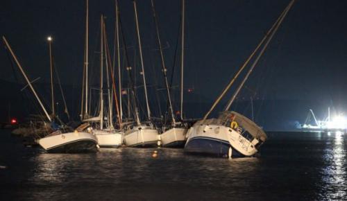 Deprem sonrası denizde tüyler ürperten görüntü